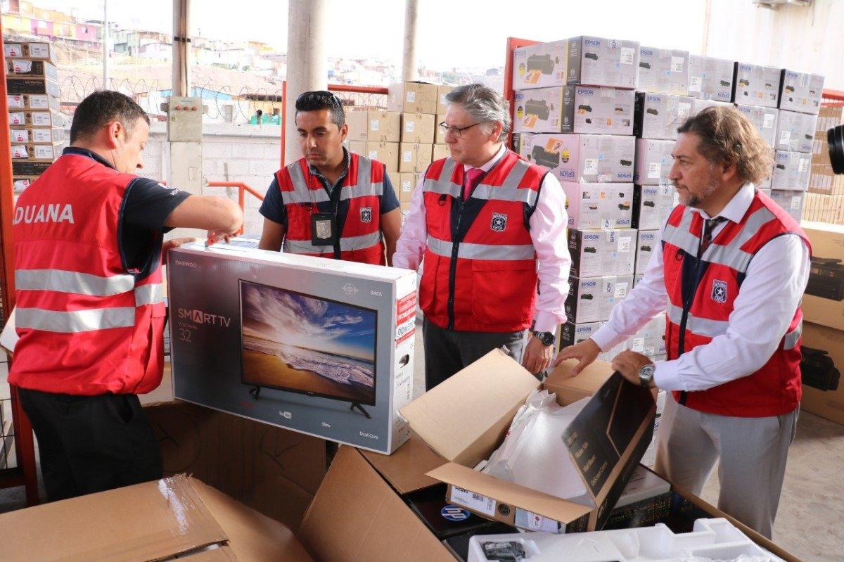 Aduanas incautan camion con millonario contrabando en colchane.