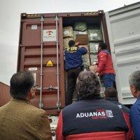 Aduanas y PDI incautan dos contenedores con mercancías falsificadas.