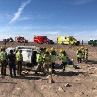 Bomberos de Pozo Almonte y La Tirana acuden a llamado de rescate vehicular.