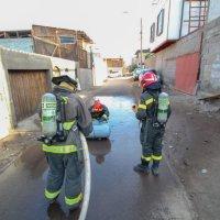 Cuerpo bomberos Iquique acude a emergencia por fuga de gas.