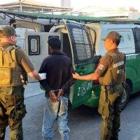 Carabineros detiene a Venezolano por robo a tienda en Plaza Condell.