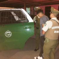Carabineros de la Tercera Comisaría Alto Hospicio detiene a sujeto por robo con violencia.