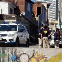 PDI detiene a Peruano por homicidio de mujer encontrada ayer dentro de una bolsa matutera.