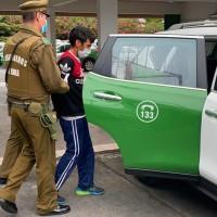 Reincidente al toque de queda es detenido con espejos retrovisores en su mochila