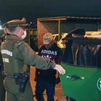 Carabineros de Alto Hospicio detiene a 3 bolivianos por tráfico de drogas.