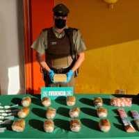 Carabineros allana 3 domicilios por venta de drogas en pequeñas cantidades.