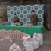 OS.7 de Carabineros detuvo a 5 Chilenos y un Colombiano con más de 400 kilos de cocaína