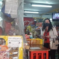 Autoridades de la Mujer hicieron llamado a postular al IFE Universal en zona comercial de Iquique