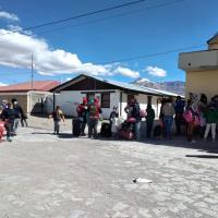 Funcionarios de salud de Colchane acusan amenazas de migrantes irregulares que buscan ser atendidos con prontitud para ingresar a Chile