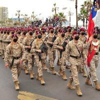 Parada Militar reunió a la familia iquiqueña en Plaza Bernardo O'Higgins