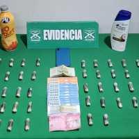 Detienen a sujeto por tráfico de drogas ocultos en envases de shampoo y yogurt